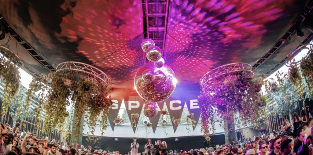 Club Spaces Offers a Month-Long Access Pass for September