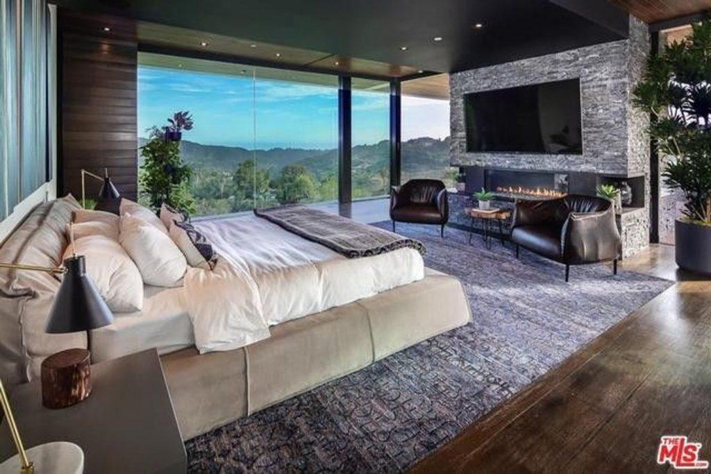 Zedd mansion bedroom